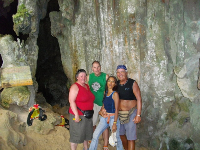 Expedition in einer Höhle - Khao Sok National Part