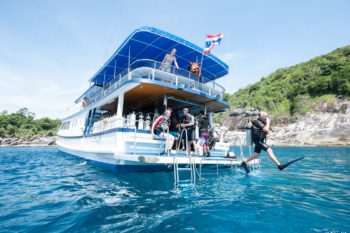 Tauchboot - Kamala Dive Service