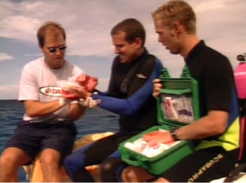 PADI Erste-Hilfe Übung - Kamala Dive Center