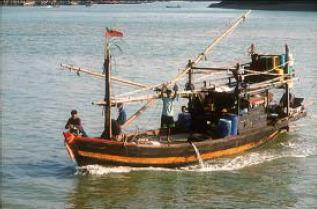 Fischerboot - Deutsche Tauchschule Phuket