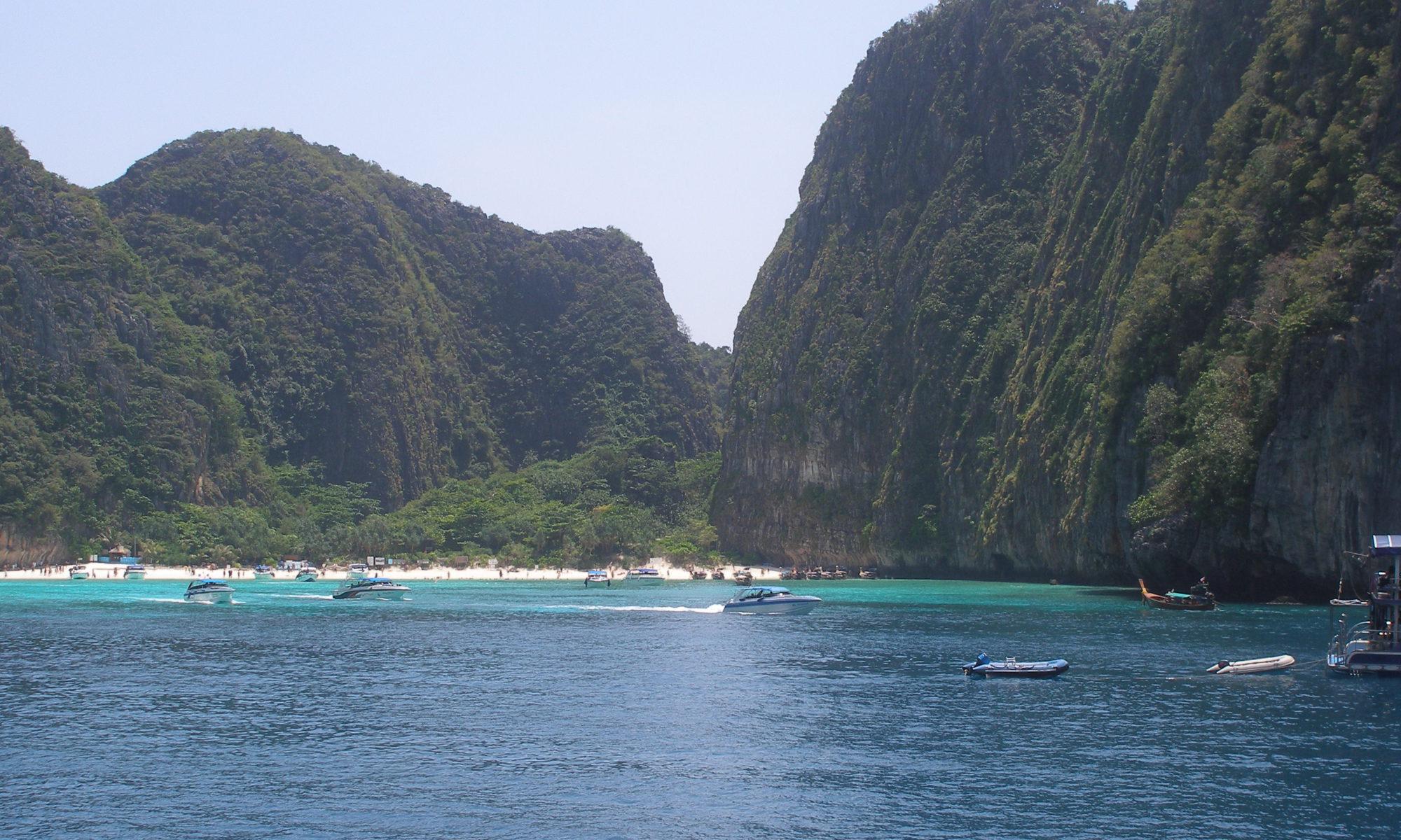 Maya Bay auf Koh Phi Phi Li mit der Deutschen Tauchschule in Kamala Beach