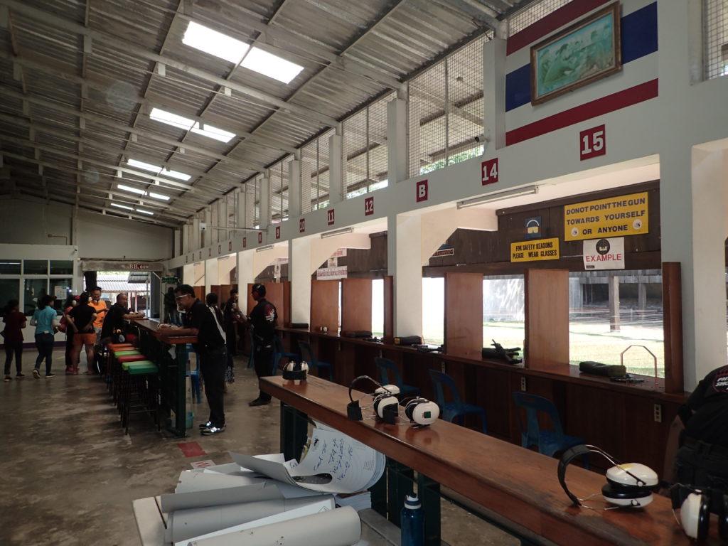 Schießstand in Chalong mit der Deutschen Tauchschule Phuket/Kamala Dive Service