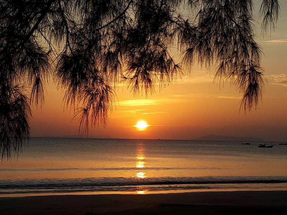 Sonnenuntergang mit der Deutschen Tauchschule Phuket/Kamala Dive Service