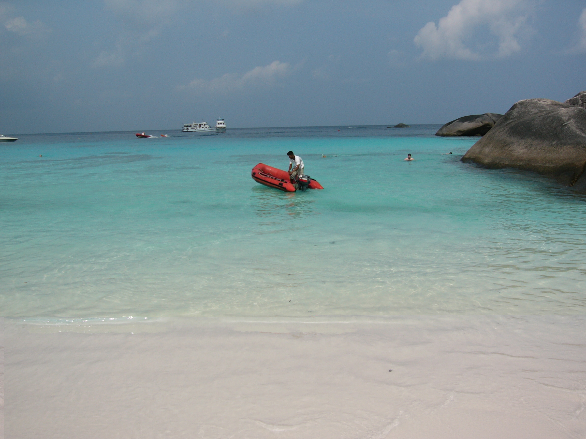 Donald Duck Bay Koh Similan Phuket Tauchschule