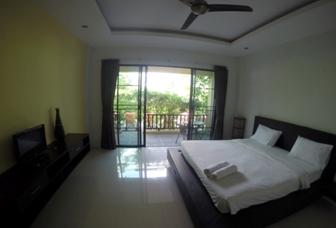 Happy Hotel in Kamala Beach mit der Deutschen Tauchschule Phuket/Kamala Dive Service
