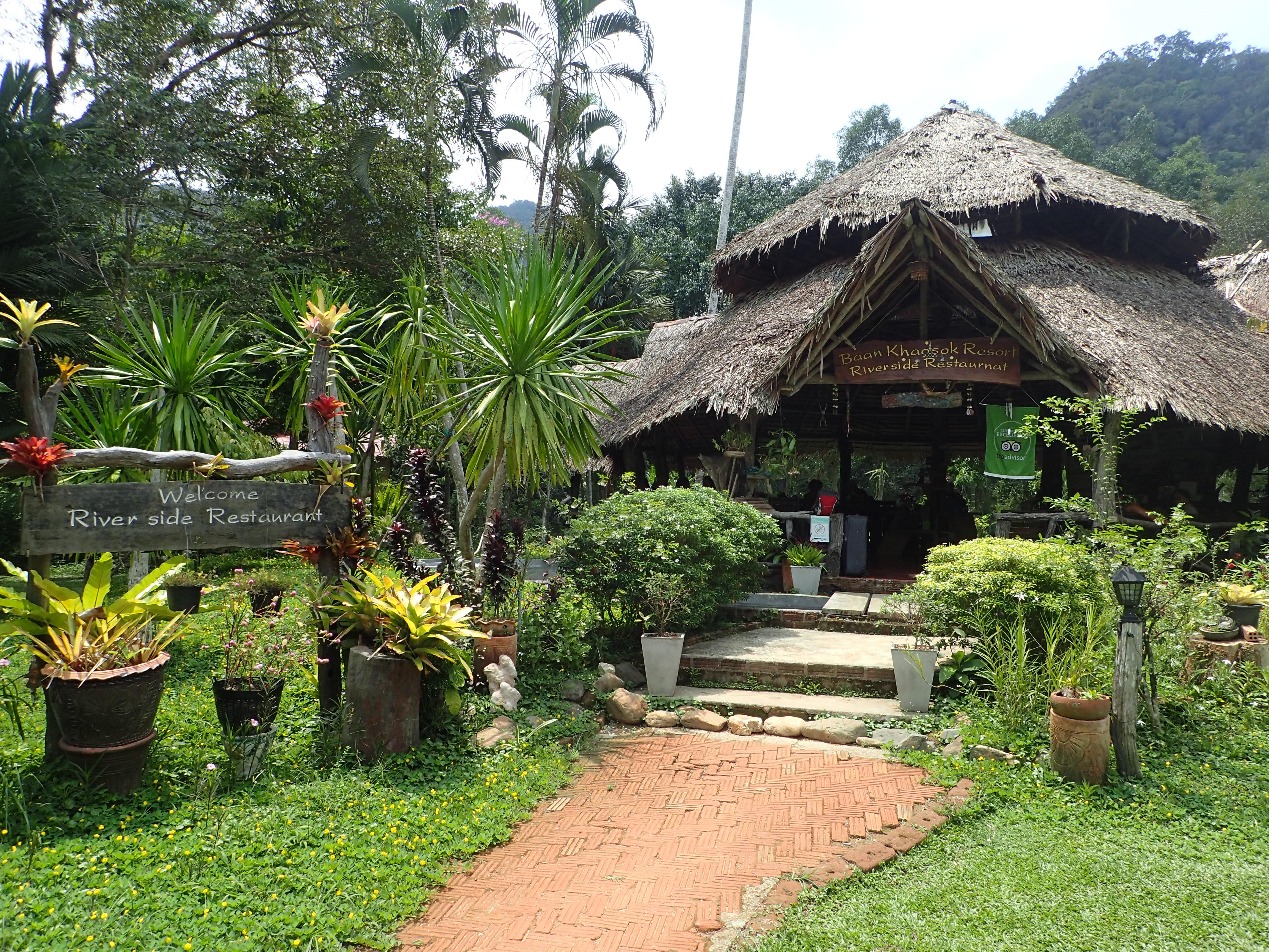 Dschungel Restaurant mit Kamala Dive Service